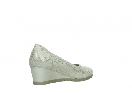 wolky court shoes 04665 ocean 20120 off white silver printed leather_10
