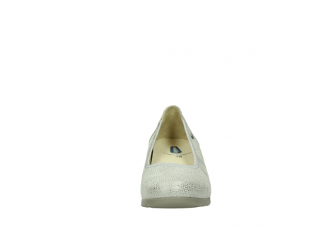 wolky court shoes 04665 ocean 20120 off white silver printed leather_19