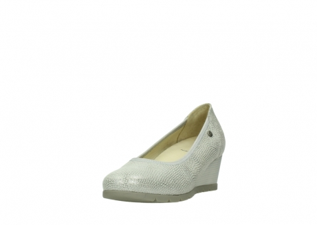 wolky court shoes 04665 ocean 20120 off white silver printed leather_21