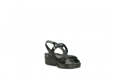 wolky sandalen 00425 shallow 60000 black caviar print leather_17