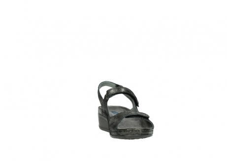 wolky sandalen 00425 shallow 60000 black caviar print leather_18