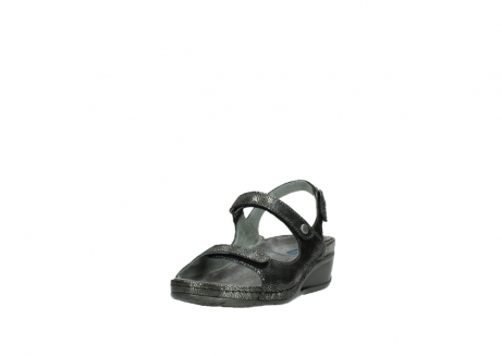 wolky sandalen 00425 shallow 60000 black caviar print leather_21