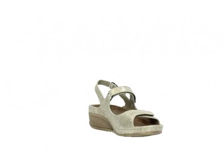 wolky sandalen 0425 shallow 639 beige kaviarprint leder_17