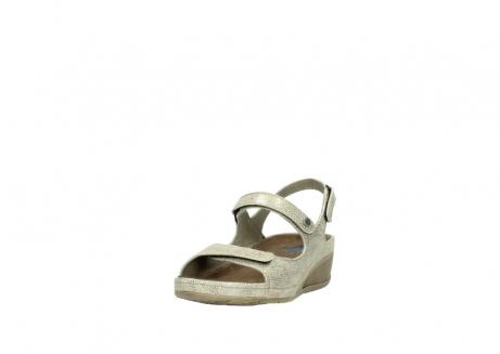 wolky sandalen 0425 shallow 639 beige kaviarprint leder_21