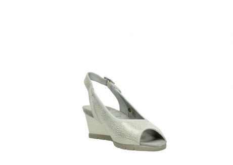 wolky sandalen 04666 collins 20120 off white silver printed leather_17