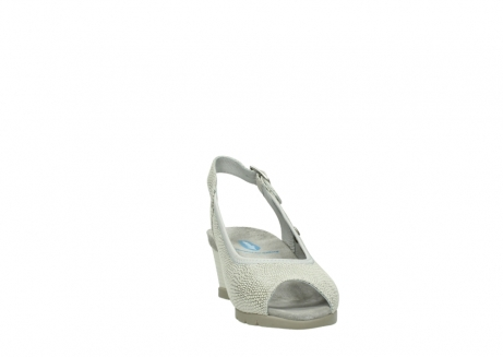 wolky sandalen 04666 collins 20120 off white silver printed leather_18
