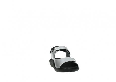 wolky sandalen 1300 salvia 820 grijs metallic lakleer_18