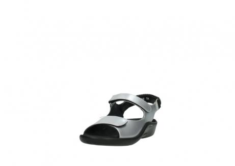 wolky sandalen 1300 salvia 820 grijs metallic lakleer_21