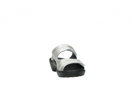wolky slippers 3472 bago 919 parelwit metallic leer_18